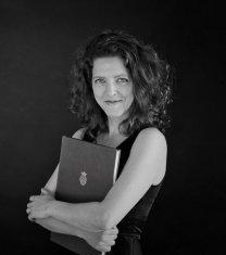 Griet De Geyter (Soprano) - Short Biography